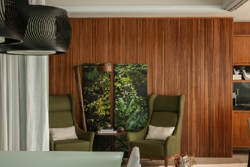 Projeto de Cristina Barbara com luminária do acervo pessoal da moradora.