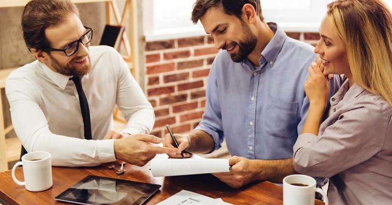 5 vantagens que mostram porque investir em imóveis vale a pena
