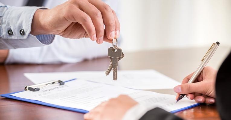 Intenção de compra de imóveis é a maior desde 2014, aponta Fipezap